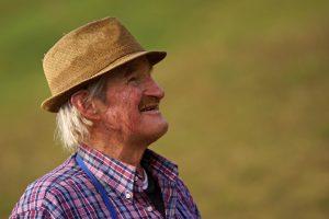 Uma palavra aos idosos: o serviço de visitação aos membros da terceira idade