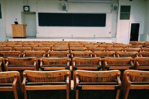 Estudando a realidade na universidade secular