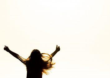Dançando de alegria