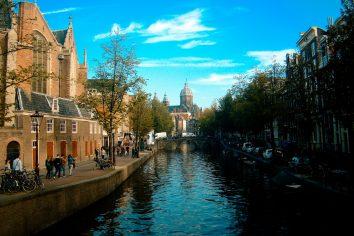 Desenvolvimento da Política da Igreja na Holanda